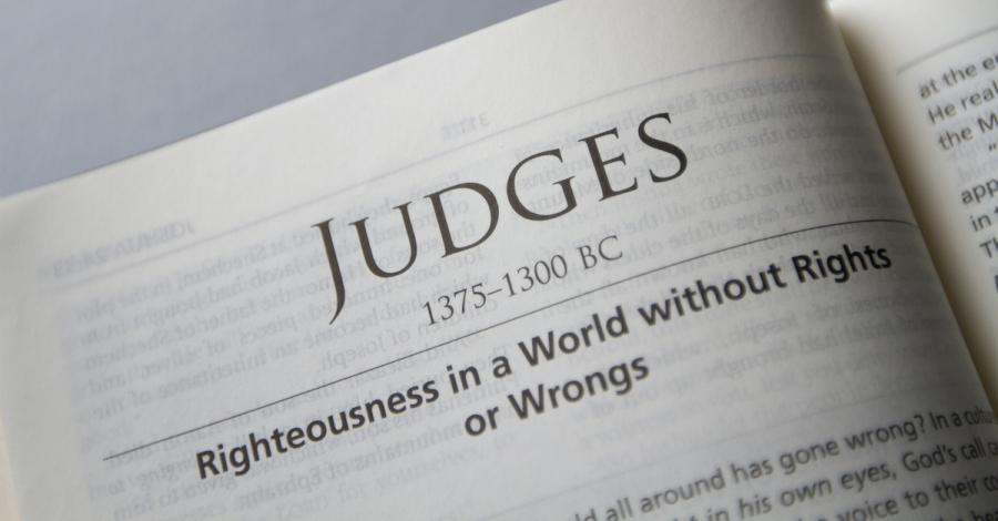 11818-13591-bible-title-judges-sparrowstock